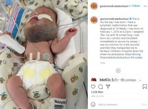 ギャビン君が誕生した日の様子(画像は『LM・W A R R I O R 2018年4月29日付Instagram「This is me the day I was born.」』のスクリーンショット)