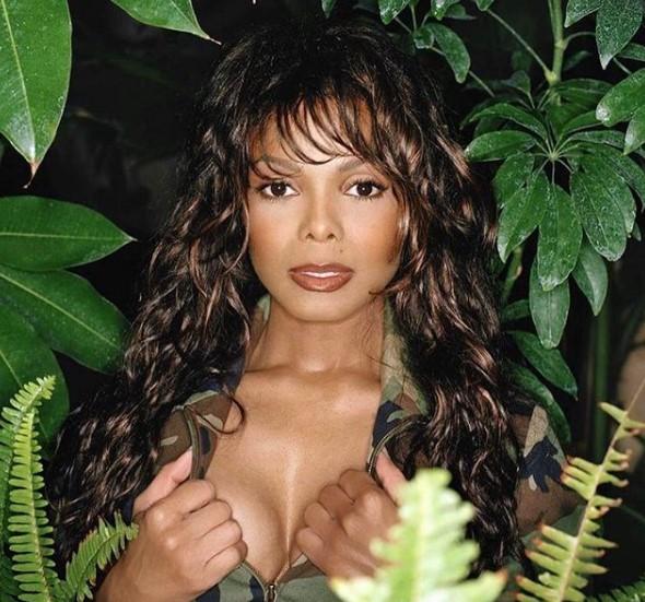 2004年に胸ポロ事件で批判を浴びたジャネット・ジャクソン(画像は『Janet Jackson 2020年12月4日付Instagram「#FridayMood」』のスクリーンショット)