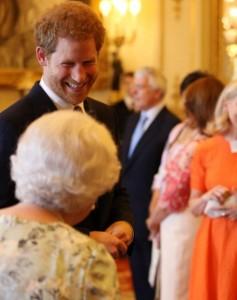 エリザベス女王への対応が「無礼」と非難されたヘンリー王子(画像は『The Royal Family 2020年9月15日付Instagram「Wishing The Duke of Sussex a very happy birthday!」』のスクリーンショット)