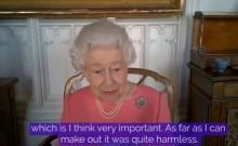 エリザベス女王、ブローチで入院中のフィリップ王配への愛を伝える 国民にワクチン接種を推奨