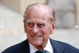 入院が長引いているフィリップ王配(画像は『The Royal Family 2020年7月22日付Instagram「Today, The Duke of Edinburgh has been succeeded as Colonel-in-Chief of @rifles_regiment by The Duchess of Cornwall, in a ceremony which took place at both Windsor Castle and Highgrove House.」』のスクリーンショット)