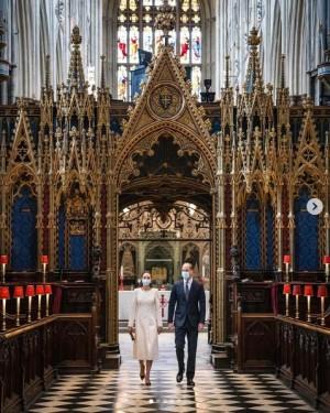 """【イタすぎるセレブ達】ウィリアム王子・キャサリン妃夫妻 """"思い出の場所""""でジョイント公務行う"""