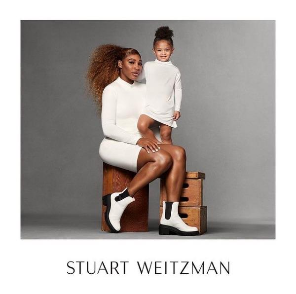 母娘初のファッションコラボがキュート(画像は『Serena Williams 2021年3月3日付Instagram「I'm so happy to be starring in the new @stuartweitzman Spring 2021 campaign with @olympiaohanian, my mini-me, my mini-Serena.」』のスクリーンショット)
