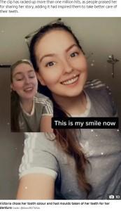 総入れ歯になったヴィクトリアさん(画像は『The Sun 2021年3月2日付「SODA SCREAM Mum who lost ALL her top teeth after drinking soda every day issues dental hygiene warning」(Credit: @lilnovi95/TikTok)』のスクリーンショット)