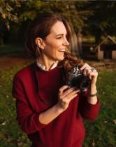 【イタすぎるセレブ達】キャサリン妃、カメラを抱えたプライベート写真をケンジントン宮殿が公開
