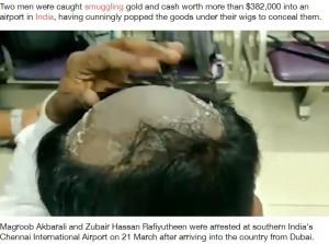 きれいに剃られた頭頂部(画像は『LADbible 2021年3月23日付「Two Men Caught Smuggling £278k Worth Of Gold And Cash Under Wigs」(Credit: SWNS)』のスクリーンショット)