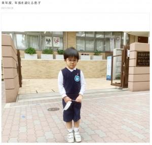 長男が年長になるタイミングで顔出し終了を宣言(画像は『金子恵美 2021年3月26日付オフィシャルブログ「来年度、年長を迎える息子」』のスクリーンショット)