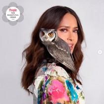 【イタすぎるセレブ達】サルマ・ハエック、寵愛するペットのフクロウの魅力を熱く語る