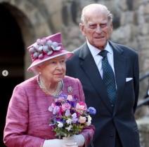 英王室、7人のひ孫に囲まれたフィリップ王配の写真を公開 撮影はキャサリン妃