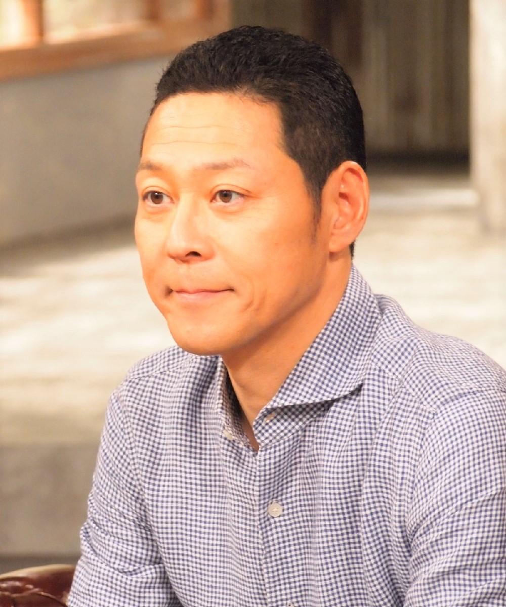 番組の衣装はスタイリストに任せている東野幸治