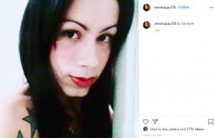 顔に工業用シリコンを注入したトランスジェンダーの女性「頬が垂れて戻らないの」(ブラジル)