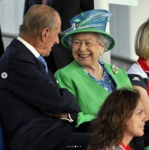 【イタすぎるセレブ達】エリザベス女王、故フィリップ王配とのプライベート写真を公開 「幸せそのもの」感動の声溢れる