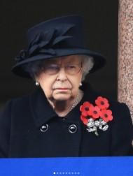 【イタすぎるセレブ達】エリザベス女王、夫の死後4日目で公務に復帰 ウィンザー城で対面イベントへ