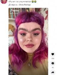 【海外発!Breaking News】ゴリラと呼ばれた21歳女性、毛抜きをやめて一本眉デビュー「今の自分が100%好き」(英)