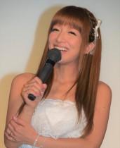 【エンタがビタミン♪】辻希美が満身創痍 25歳・身長190センチ超を相手に全力ダンスで「もうミニモニを何回も踊ったらダメ…」