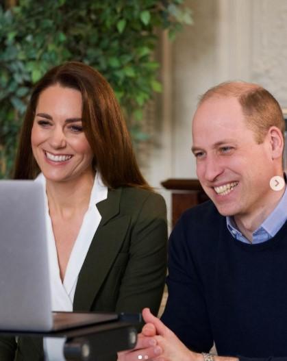 イースターを記念してユニークな動画を公開したウィリアム王子夫妻(画像は『Duke and Duchess of Cambridge 2021年2月27日付Instagram「It was great to hear from Shivali and Fiona」』のスクリーンショット)