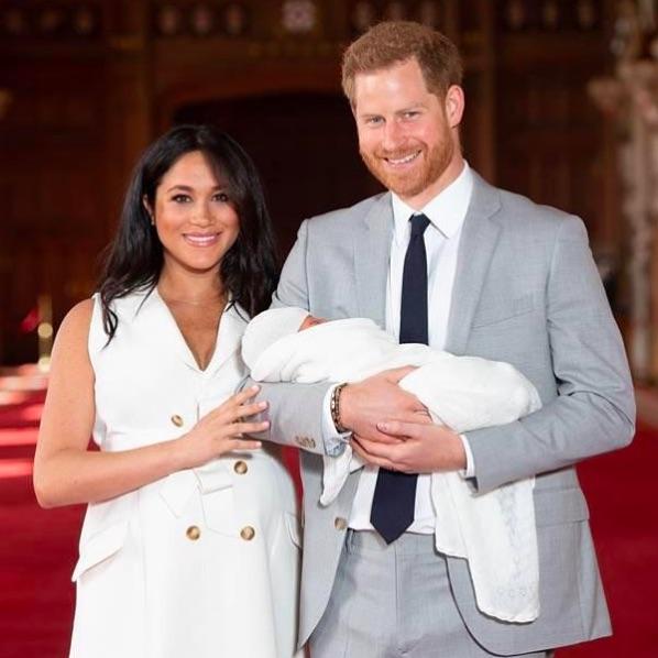 2019年、誕生間もないアーチーくんと(画像は『The Royal Family 2021年5月6日付Instagram「Wishing Archie Mountbatten-Windsor a very happy 2nd birthday today.」』のスクリーンショット)