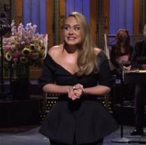 アデル、33歳の誕生日にノーメイク姿を披露「とてもグラマラス」「絶対的な女神」ファン称賛