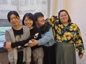 ぼる塾は本来、育休中の酒寄希望を加えた4人組(画像は『ぼる塾 きりやはるか 2021年4月18日付Instagram「楽しい!ありがとう!」』のスクリーンショット)