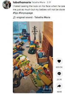 おもちゃで溢れかえった息子の部屋(画像は『Tabatha Marie 2021年3月31日付TikTok「I hated seeing the look on his face when he seen his room.」』のスクリーンショット)