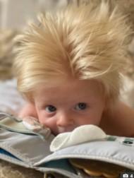【海外発!Breaking News】フサフサでブロンド髪の赤ちゃん、ボリス・ジョンソン首相にそっくりと大注目(英)