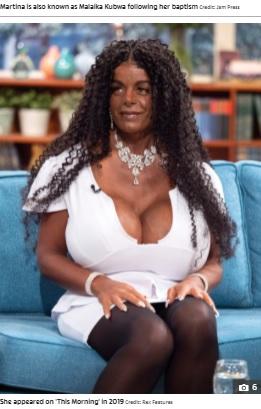 2019年ですでにこの胸の大きさ(画像は『The Sun 2020年6月24日付「RACE ROW White model Martina Big who identifies as black slams white people for 'exploiting' the black community」(Credit: Rex Features)』のスクリーンショット)