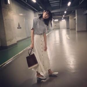 山里亮太に完コピされた桐谷美玲の写真(画像は『桐谷美玲 2017年5月24日付Instagram「Top」』のスクリーンショット)