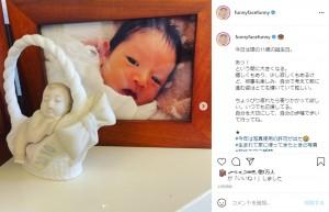 娘が赤ちゃんだった頃(画像は『渡辺満里奈 marina watanabe 2021年6月24日付Instagram「今日は娘の11歳の誕生日。」』のスクリーンショット)