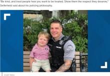 【海外発!Breaking News】「人々の手助けをしたい」両腕がない6歳男児、警察官のパートナーに(米)<動画あり>