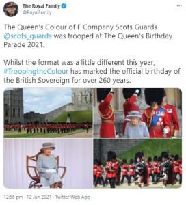 昨年に続き、ウィンザー城でこぢんまりと行われた祝賀式典(画像は『The Royal Family 2021年6月12日付Twitter「The Queen's Colour of F Company Scots Guards @scots_guards was trooped at The Queen's Birthday Parade 2021.」』のスクリーンショット)