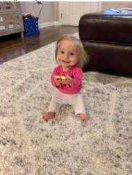 【海外発!Breaking News】体重約3キロ、新生児の服を着る小人症の2歳児「小さくても笑顔が素敵」(米)