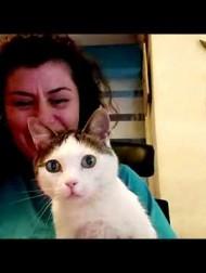 【海外発!Breaking News】3本の足を失った猫、3Dプリンタで作られた義足で歩けるように(ギリシャ)<動画あり>