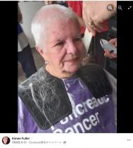 寄付のため伸ばした髪をカットした82歳女性 「白髪だから」と慈善団体に断られる(英)