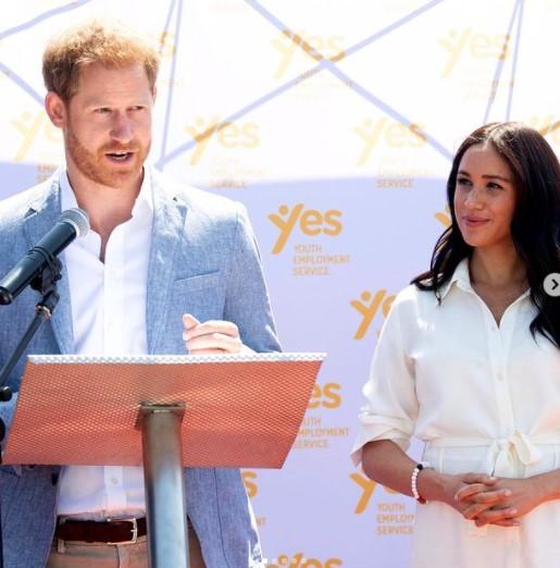 ヘンリー王子夫妻、今度は金融業界へ参入(画像は『The Duke and Duchess of Sussex 2019年10月2日付Instagram「In Tembisa, Johannesburg, today The Duke and Duchess visited to meet young entrepreneurs at the YES hub」』のスクリーンショット)