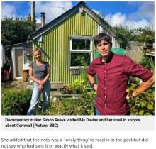 【海外発!Breaking News】「村の近くの十字路にある青と緑の小屋」と書かれた手紙、郵便局の努力で正しい住所に届く(英)