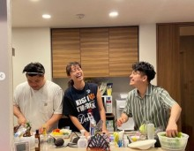 【エンタがビタミン♪】中林美和が満面の笑み 息子2人とのキッチン風景にファン「涙出る」