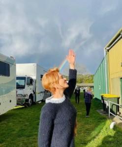 ショートヘアでファンを驚かせたニコール(画像は『Nicole Kidman 2021年7月22日付Instagram「On set」』のスクリーンショット)