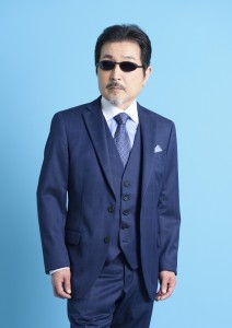 これまで数々のヒット曲でメインボーカルを務めてきたベーシスト・桜井賢