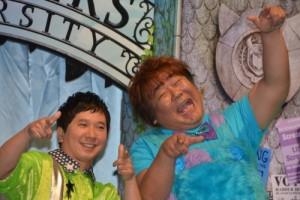 マイクとサリーの声を担当した田中裕二と石塚英彦(2013年撮影)