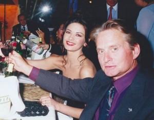 【イタすぎるセレブ達】マイケル・ダグラス、同じ誕生日の妻キャサリン・ゼタ=ジョーンズを祝福「君と出会えたことはこの上ない幸運だった」