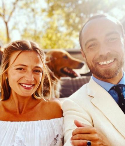 南仏で結婚したジェームズさん(右)とアリジーさん(画像は『James Middleton 2021年9月12日付Instagram「Mr & Mrs Middleton」』のスクリーンショット)