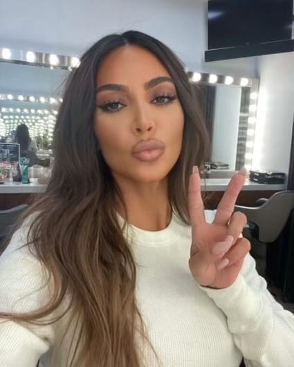 キム・カーダシアン「METガラ」前から気合が入りまくり?(画像は『Kim Kardashian West 2021年4月22日付Instagram「Good Morning World」』のスクリーンショット)