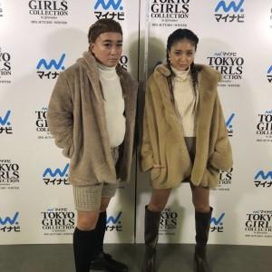 「東京ガールズコレクション2021」で披露した双子コーデ(画像は『松尾駿 2021年9月4日付Instagram「みちょぱ」』のスクリーンショット)