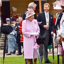 【イタすぎるセレブ達】ヘンリー王子、祖父の葬儀後にエリザベス女王と貴重な時間を過ごしていた
