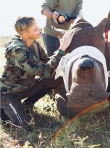 野生動植物保護の公務でアフリカ大陸を訪れていたシャルレーヌ妃(画像は『HSH Princess Charlene 2021年5月20日付Instagram「Christian Sperka」』のスクリーンショット)