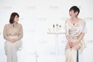 笑顔でトークする石田ゆり子とミッツ・マングローブ