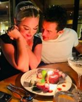 【イタすぎるセレブ達】オーランド・ブルーム、婚約者ケイティ・ペリーの37歳誕生日を祝福 甘いメッセージに「こんな彼氏がほしい」の声も
