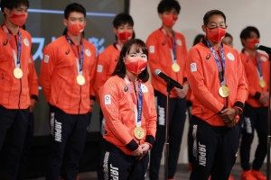 イベントと同日に行われた表彰式での伊藤美誠選手(C)日本オリンピック委員会