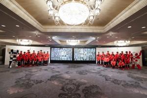 イベントに参加した選手たちとZoomでの一般参加者(C)日本オリンピック委員会