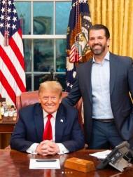【イタすぎるセレブ達】トランプ元大統領の長男、「アレック・ボールドウィンは殺人者」とのロゴ入りTシャツを販売